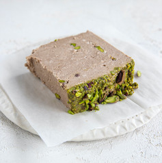 IMG_choc-pistachio-slice_1432 copy.jpg