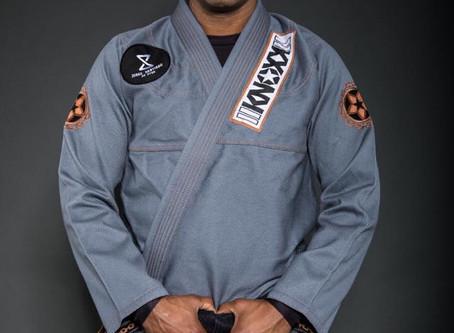"""Brazilian Jiu Jitsu Black Belt Jorge Santiago  in the KNOXX """"Manchira"""" Gray Jiu Jitsu Gi"""