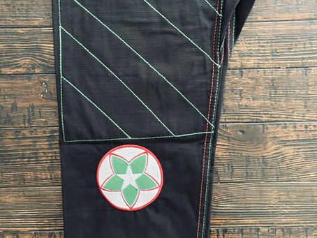Heritage Series - Mexico gi in black in now available in both adult and youth sizes.
