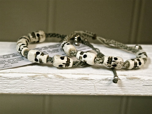 White bone skulls macrame twine light grey