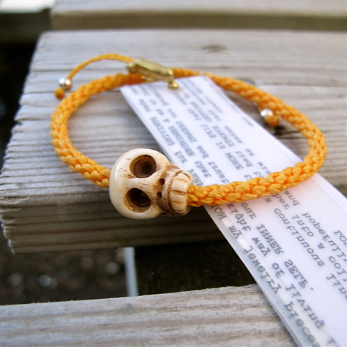 One skull animal Bone Dark yellow