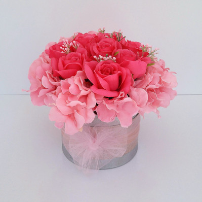 Pink Roses & Hydrangea