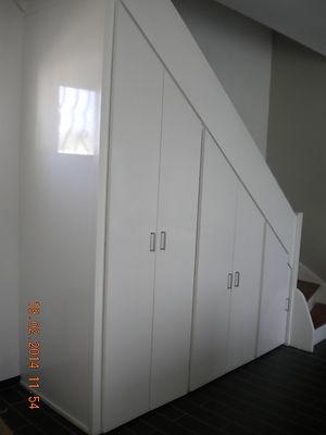 agencement sous-escalier 001.JPG
