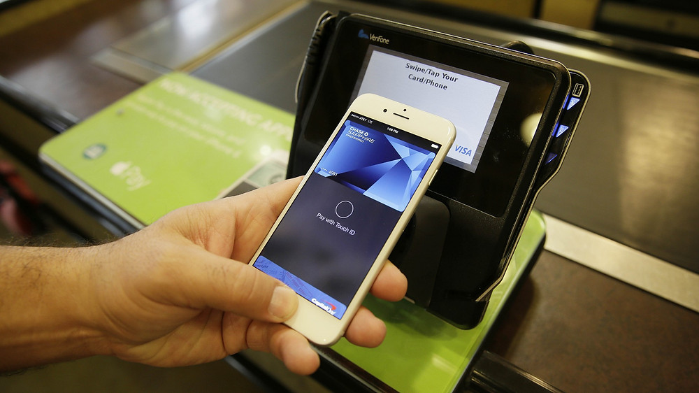 Bloomington Apple Pay through iPhones