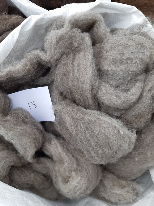 13 - 200g Pure British Hebridean / Aplaca Mix Light Grey Sliver