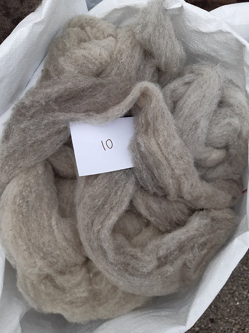 10 - 200g Pure British Hebridean and Mule Mix Light Grey Sliver