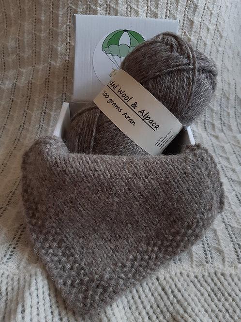 Mid grey blended Wool and Alpaca Aran yarn (100g)