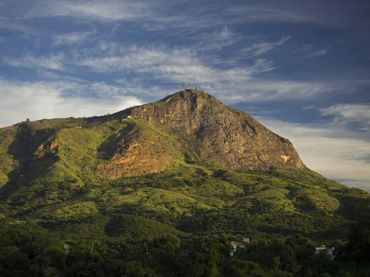 Pico do Ibituruna - Governador Valadares - Brazil