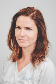 Dr Szilvia Bajzat-Specialist in Restorative and Conservative Dentistry