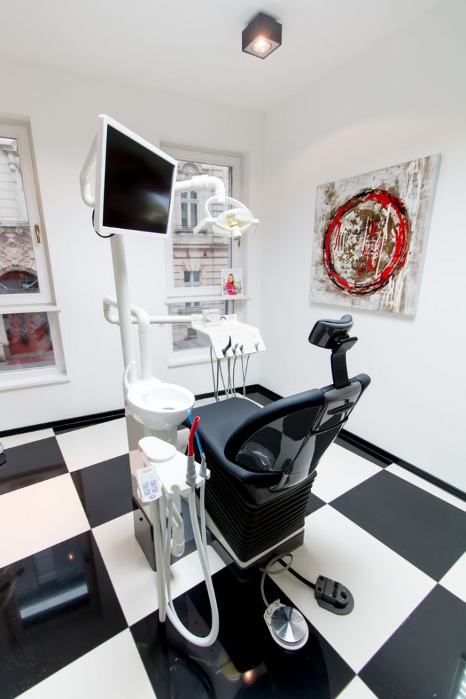 Sirona_dental_chair_back