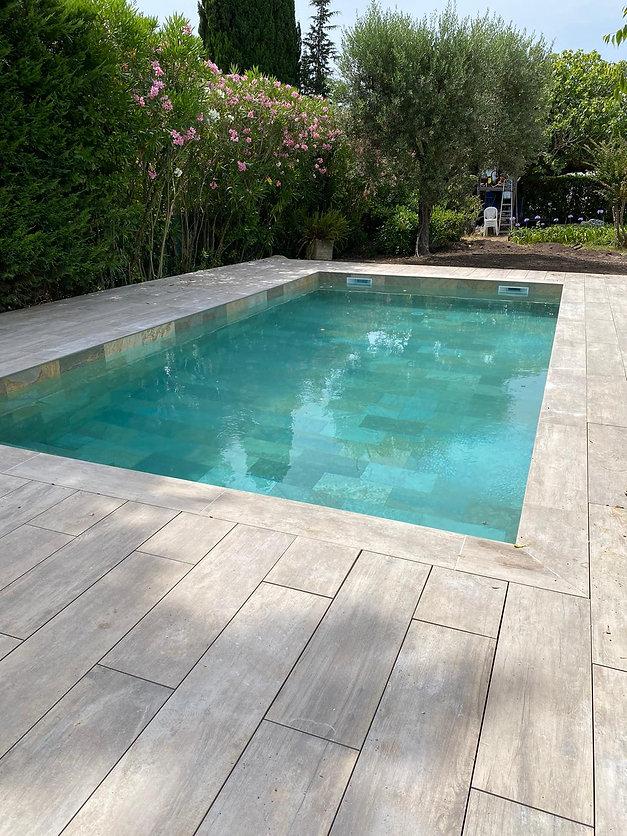 piscine_effet_pierre_de_bali(11).jpg