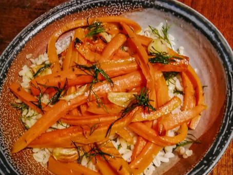 Geroosterde granen met wortelen en dille