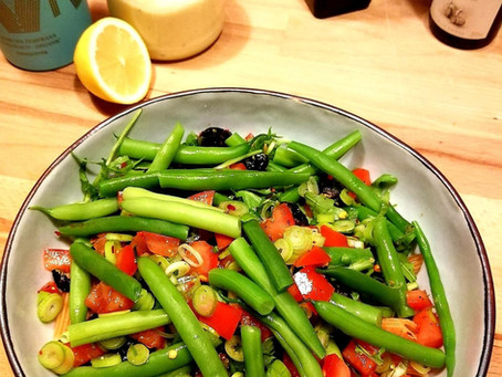 Salade niçoise met linzenpenne