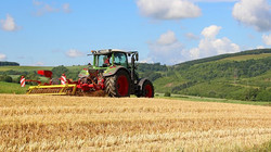 tractor-4277810__340