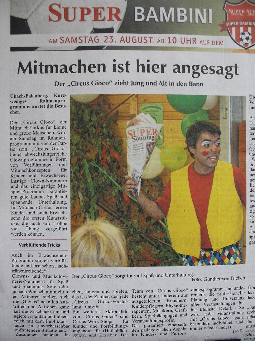 Mitmachzirkus Circus Gioco Clowns und Zauberer