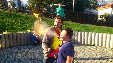 Ferienspiel clown zauberer mitmachzirkus akrobatik feuerspucken