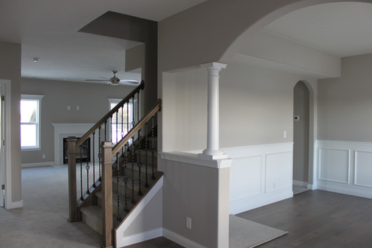 1019 CHESAPEAKE STAIRCASE & DINING ROOM