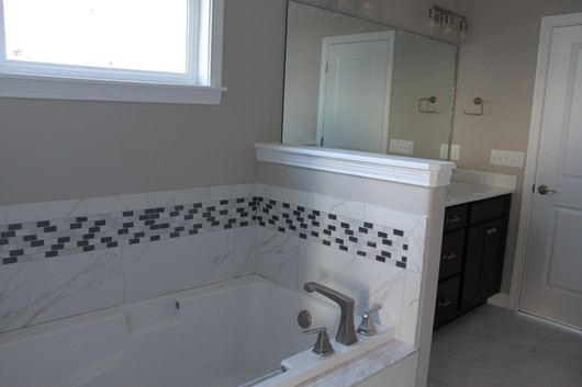 1019 CHESAPEAKE MASTER BATH