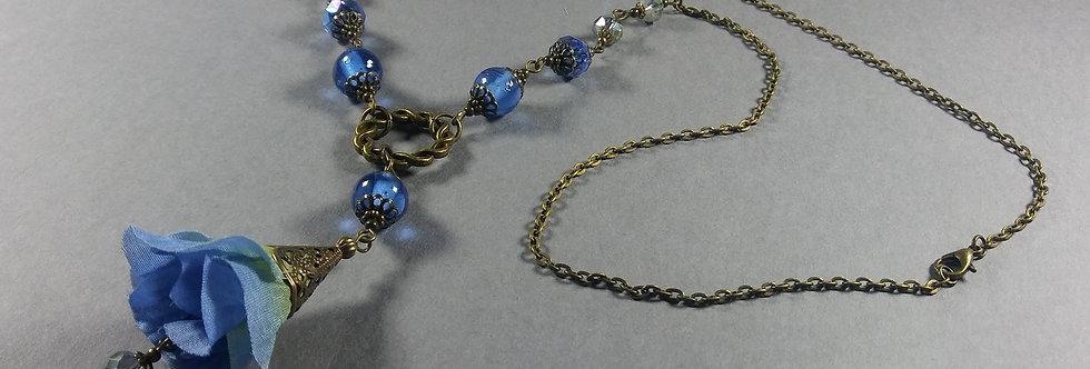 Cornflower Blue & Pale Green Floral Necklace