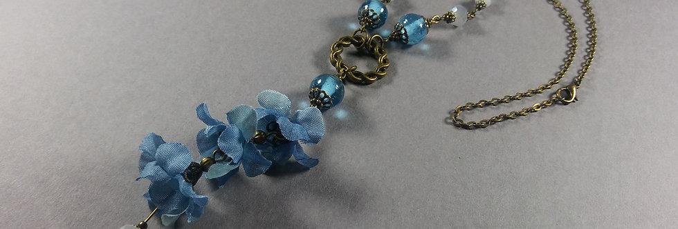 Sky Blue & Fog Floral Necklace