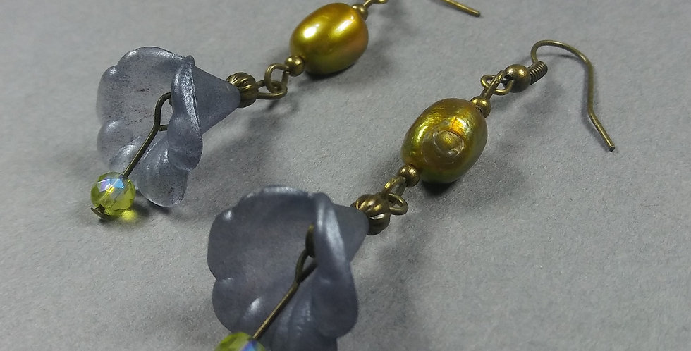 Grey-Blue, Green w/Pearl Earrings