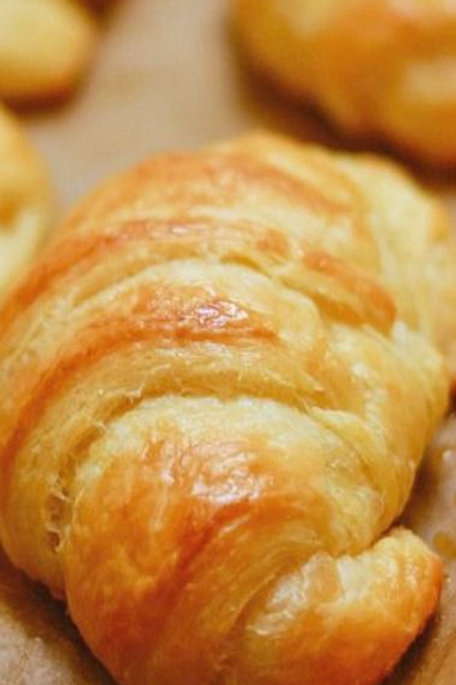 Beef Tenderloin Options - Croissants, Rolls & Sauces