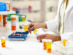 Pharmacy_Technician-169978082.jpg