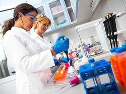 Laboratory Technician-505996576.jpg