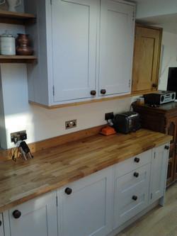 Oak + Painted kitchen units