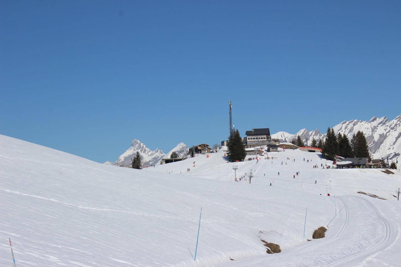 1 vue batiment & ski de fond.jpg