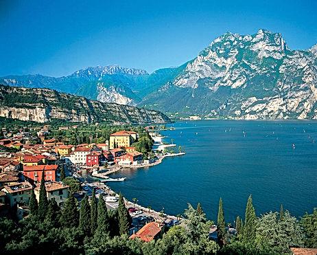 Italy-Lake_Garda-774329.jpg