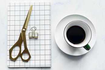 Café et ciseaux