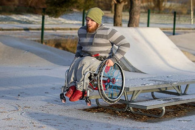 Rovop pyörätuoliskeittaus hyppy pöydältä