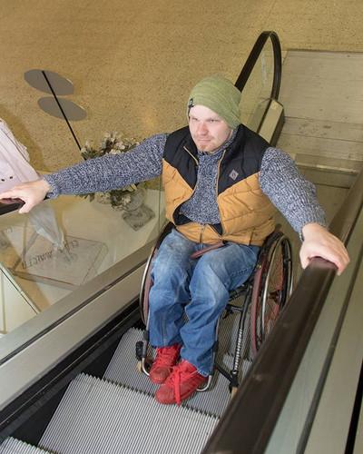 ROVOP liukuportaat pyörätuolilla
