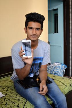 Aksay phone .jpg