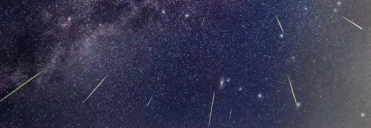 Perseiden Meteorschauer mit Andromeda Galaxie