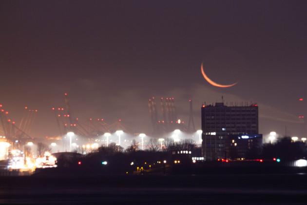 Mondaufgang in Hamburg