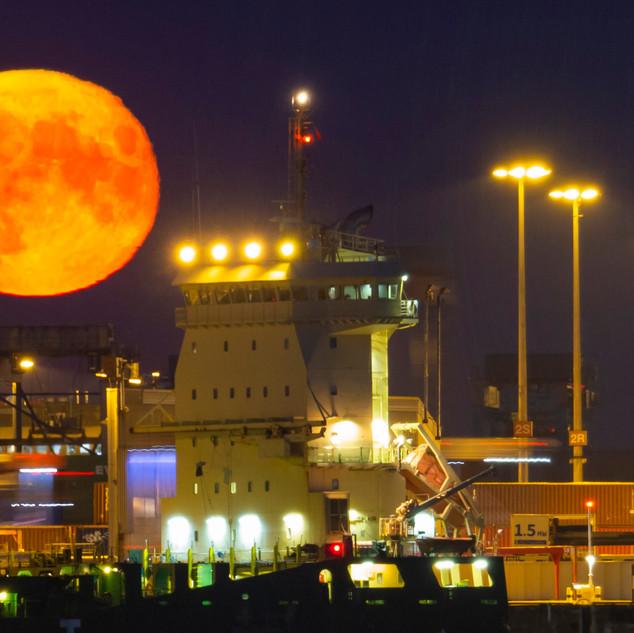 Mond-Burchard-Kai-04-08-2020 (6 von 11).