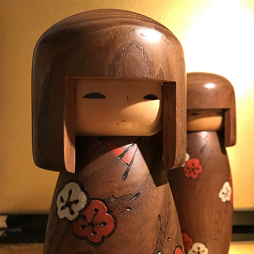Mid 20th Century Sosaku Kokeshi doll standing 23cm tall