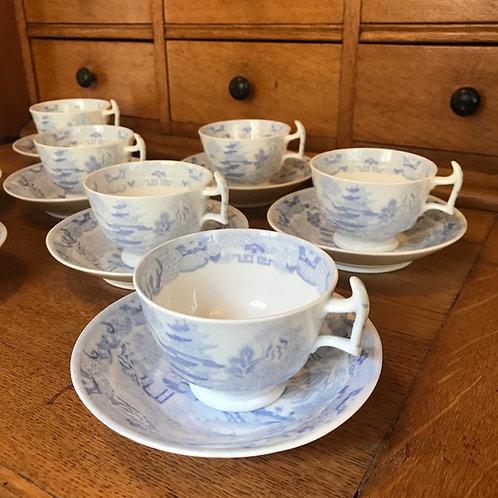 Late Georgian fine bone china tea cups & saucers x 8 London style Chinoiserie