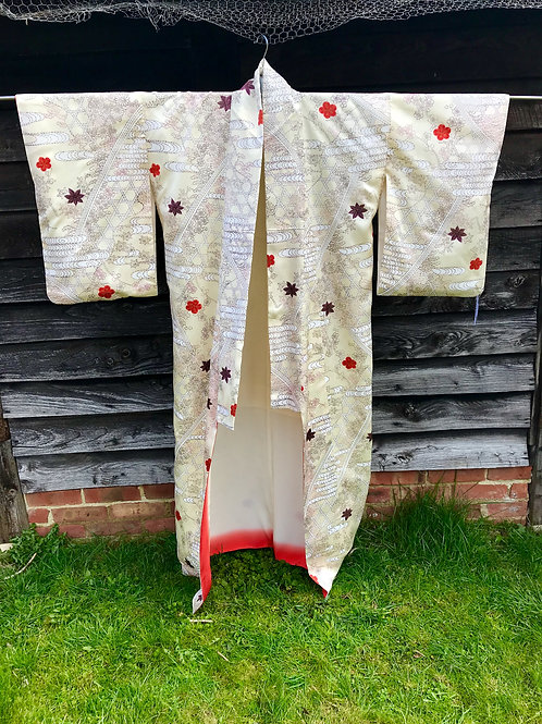 Vintage silk lined kimono with traditional pattern design
