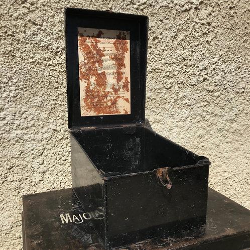 Vintage Faradohmeter metal box