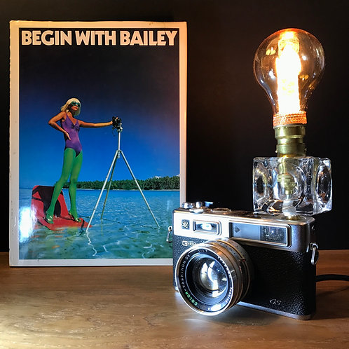 Vintage Yashica 35mm camera feature lamp