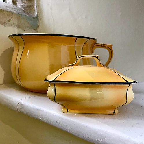 Art Nouveau soap dish and chamber pot in Savoy design by Royal Winton Grimwades