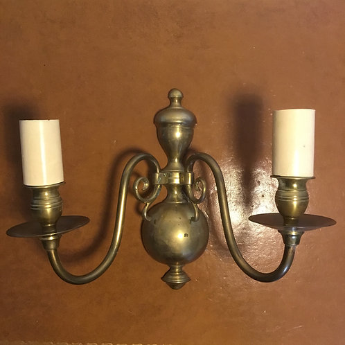 Vintage brass double arm traditional design wall light