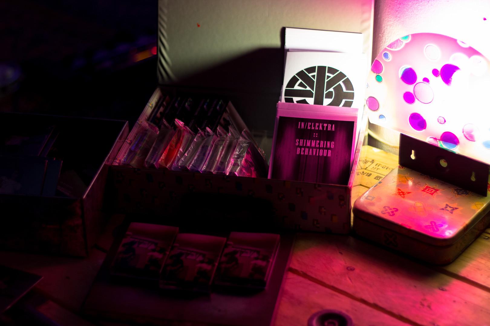 IN/ELEKTRA Tape + postcard