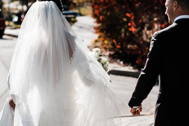 Photo d'un mariage à Mont-Tremblant, par une journée ensoleillée d'automne