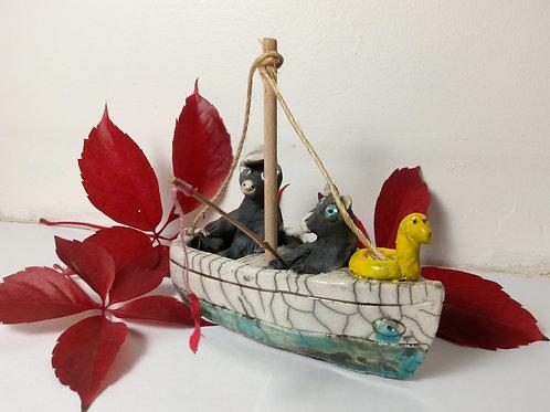 Souris dans un bateau Ceramique Raku By Ceraku