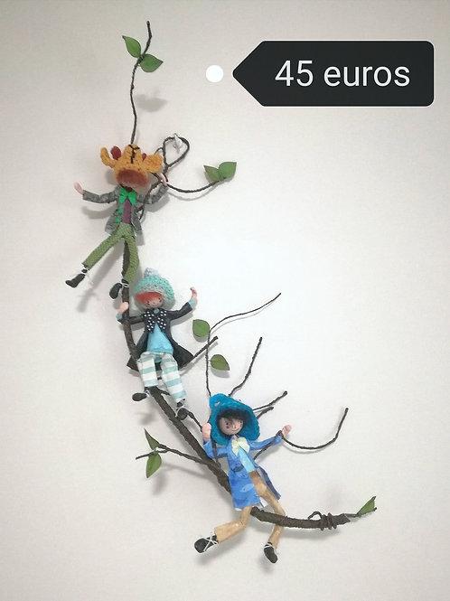 3 PERSONNAGES sur branche  By Caroline JUPILLE