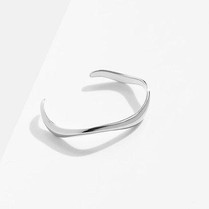 MADEGREY - Flow Cuff Bracelet | Silver